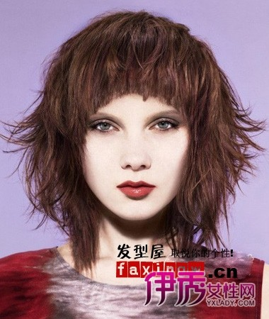 头顶蓬松的中长发发型图片图片